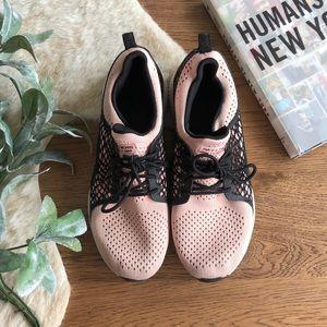 Skechers black/light pink sneaker size 8.5